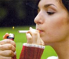 cigarro_mulher_fumando