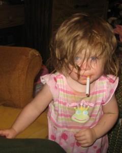 Até mesmo menores de 10 anos começam a fumar